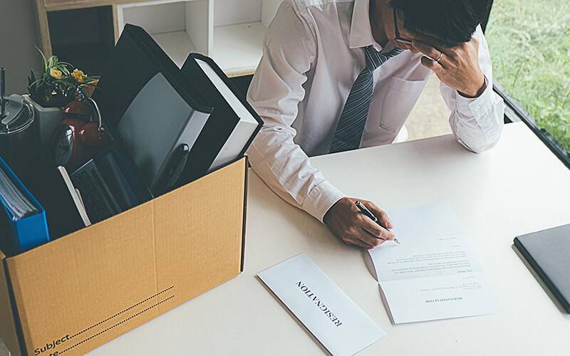 ١٠ نصائح لتجاوز تحدي فقدان الوظيفة